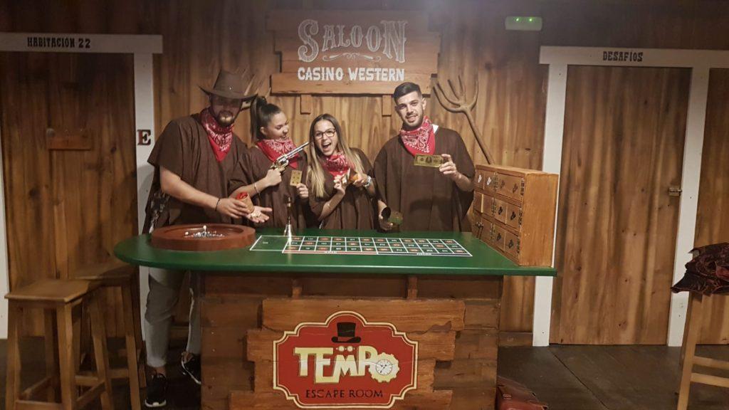 Escape Room en Sevilla ambientado en un Saloon del Lejano Oeste
